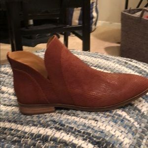 Never worn. Lucky Brand leather booties!